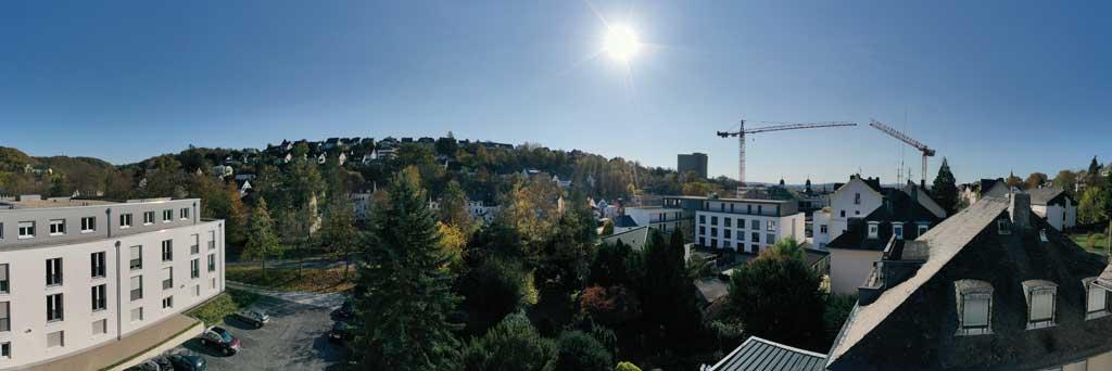 Der Ausblick aus der Eigentumswohnung Höhe 2. Obergeschoss.